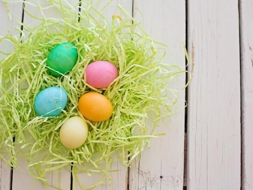 Ilustrativna fotografija uskršnje košarice s jajima